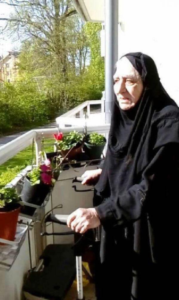 انتقلت الى عالم الانوار في جنوب السويد الام الفاضلة ناجية فندي فعل المباركي